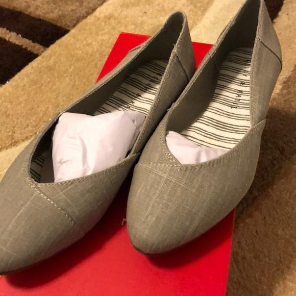 a504ddacc22 Kelly   Katie Shoes - Kelly   Katie Light Grey Flats